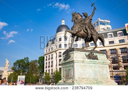 Bucharest, Rumania - 28.04.2018: Statue Of Mihai Khrabrom On The University Square - The Prince Of W
