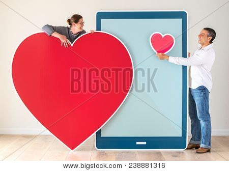 Couple meeting through a dating app