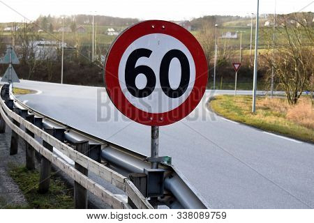 The Speed Limit Sign Is 60 Km Per Hour.