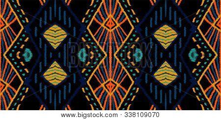 Dip Vintage Shibori. Maroon Batik Vector Seamless Pattern. Traditional Tile Rustic Texture. Azure Na