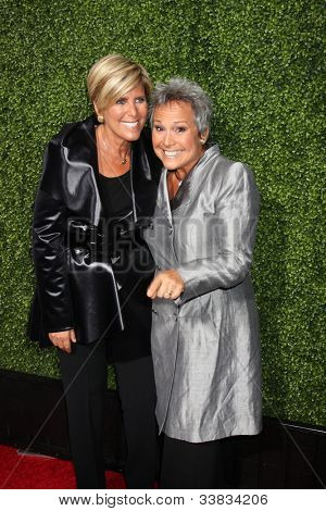 LOS ANGELES - JAN 6:  Suze Ormond, girlfriend Kathy Travis (KT) arrives at the Oprah Winfrey Network Winter 2011 TCA Party at The Langham Huntington Hotel on January 6, 2011 in Pasadena, CA.