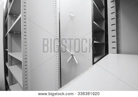 Empty Archive Storage Units, Archive Rolling Storage System