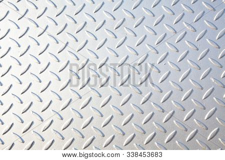 metal texture with repeating patterns
