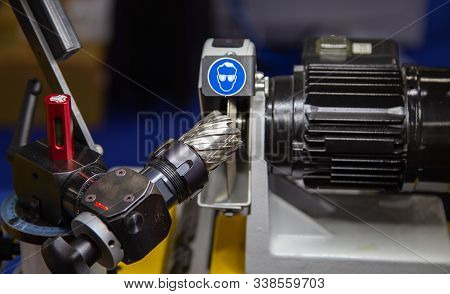 Carbide Cutting Tool Sharpening For Cnc Machine