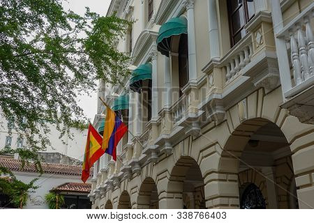 Cartagena/columbia-11/5/19: The Columbian And Cartagena Flags On A Colonial Style Building In Old To