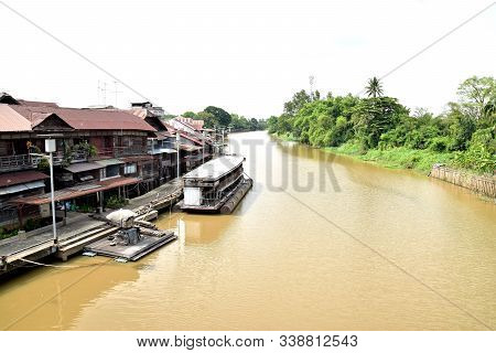 Life Near The Tha Chin River At Sam Chuk Community, Tambon Sam Chuk, Amphoe Sam Chuk, Suphan Buri Pr