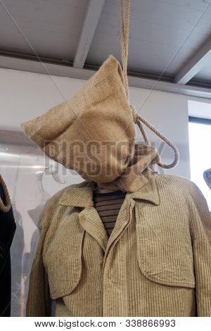 Prop Bodie Of A Hanged Man With Sack On A Head
