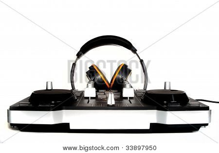 Dj controller and headphones