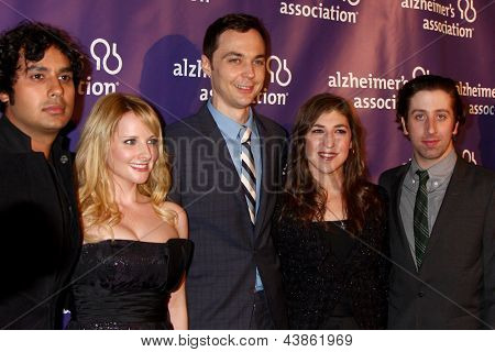 LOS ANGELES - MAR 20:  Jim Parsons, Mayim Bialik arrives at the 21st Annual A Night at Sardi's to Benefit the Alzheimer's Association at the Beverly Hilton Hotel on March 20, 2013 in Beverly Hills, CA