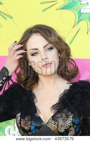 LOS ANGELES - MAR 23:  Elizabeth Gillies arrives at Nickelodeon's 26th Annual Kids' Choice Awards at the USC Galen Center on March 23, 2013 in Los Angeles, CA