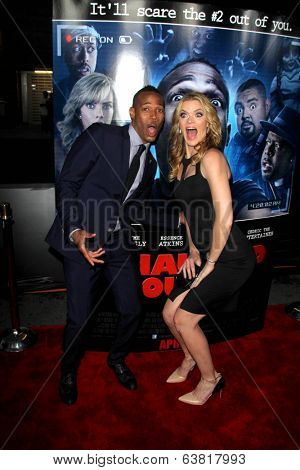 LOS ANGELES - APR 16:  Marlon Wayans, Missi Pyle at the