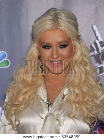 LOS ANGELES - OCT 28:  Christina Aguilera arrives to the