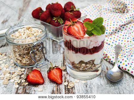 Strawberry Yogurt With Muesli
