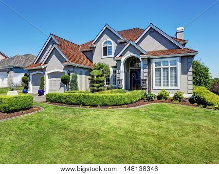 Luxury Residential House With Perfectly Kept Front Garden.