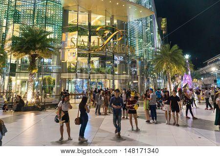 Bangkok, thailand - January 10, 2016:unidentified people walk at Siam Paragon shopping mall