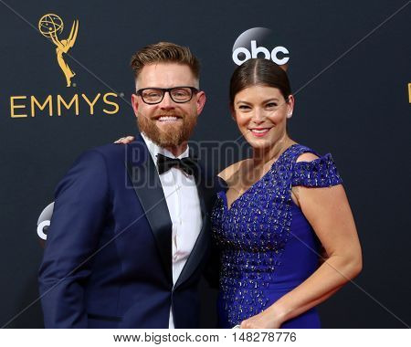 LOS ANGELES - SEP 18:  Richard Blais, Gail Simmons at the 2016 Primetime Emmy Awards - Arrivals at the Microsoft Theater on September 18, 2016 in Los Angeles, CA