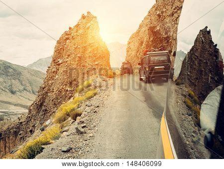 Trafic on mountain road near Manali, India