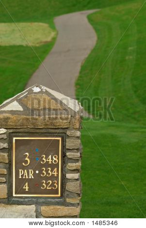 Par 4 Golf Sign