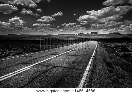 Hwy 163 Toward Monument Vally Forrest Gump Point Black And White
