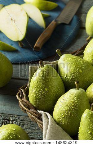 Raw Green Organic Danjou Pears