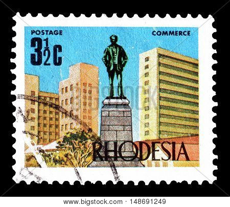 RHODESIA - CIRCA 1970 : Cancelled postage stamp printed by Rhodesia, that shows Cecil Rhodes statue.