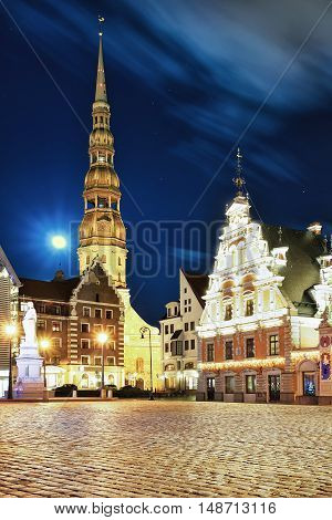 Square And House Of The Blackheads In Riga Old Town
