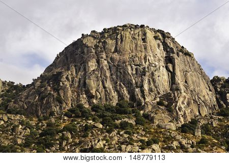 Pico de la Miel, of 1,392 m 2, located in the Sierra de la Cabrera, Rocky spur of the long rope. Madrid's community. Spain.