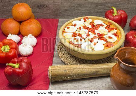 vine garlic or tomato soup, food, traditional, Spanish, garlic, olive oil, bread, pepper and tomato