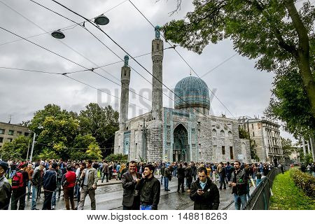 Saint-Petersburg.Russia.12 Sep 2016.Muslims celebrate Eid al-Fitr near the Central mosque in St. Petersburg .