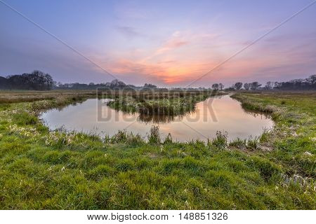 Meandering Regge Sunset