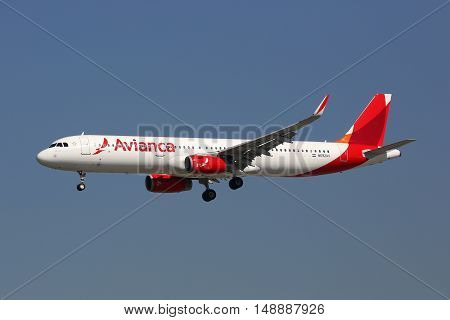 Avianca Airbus A321 Airplane