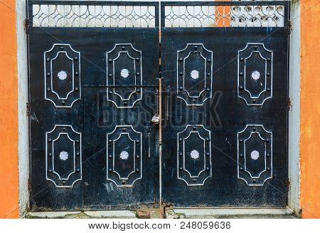 Bodhgaya, India - July 9, 2015. Gate Of A Temple In Bodhgaya, India. Bodhgaya Is The Most Revered Of
