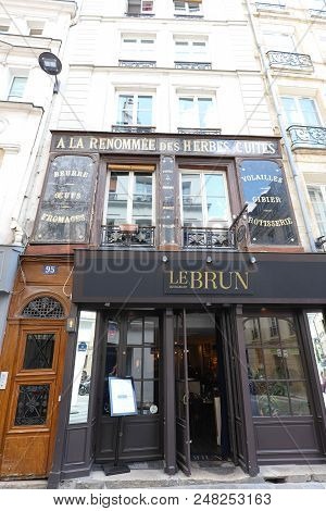 Paris, France-june 30, 2018 : Restaurant Le Brun Located In The Heart Of Paris, Close To The Halles