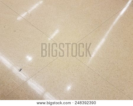 Square White Reflective Floor Tiles With Reflection Of Lights