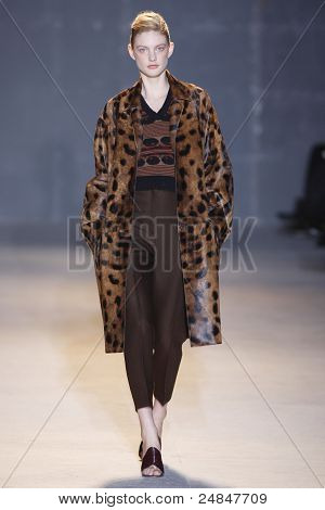 Rochas Fall/Winter 2011 Collection - Paris