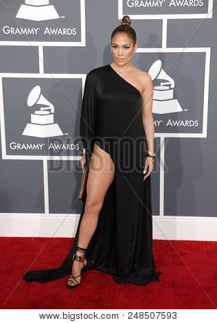 LOS ANGELES - FEB 10:  Jennifer Lopez arrives to the 2013 Grammy Awards  on February 10, 2013 in Hollywood, CA