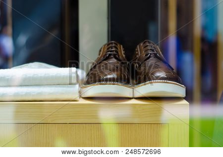 Storefront Men Male Shoes On The Stand Shop Beauty