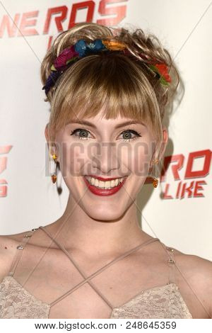 LOS ANGELES - JUL 6:  Tara-Nicole Azarian at the