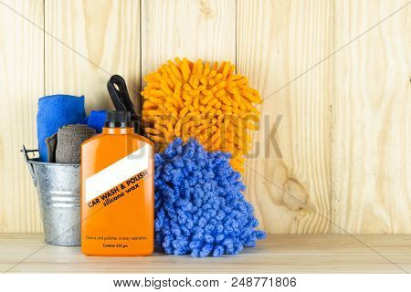 Car Wash Equipment Or Car Cleaning Product Such As   Brush With Mitts And Microfiber Tank And  Etc,