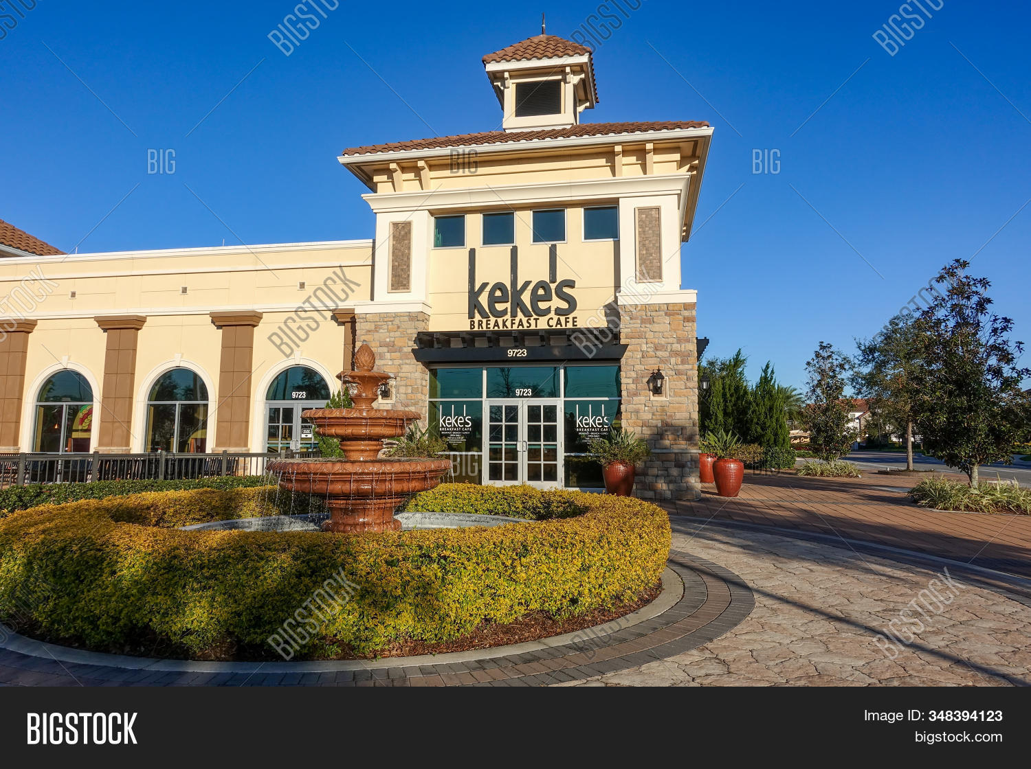 Orlando, Fl/usa-1/29/20: The Exterior Of A Kekes Breakfast Cafe Restaurant In Orlando, Florida Where