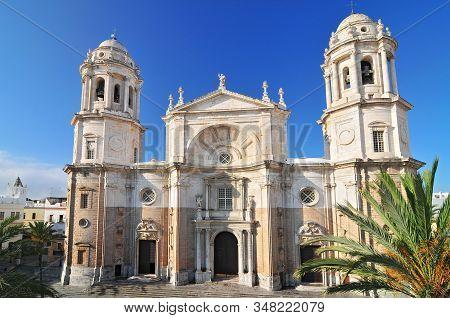 Cadiz Cathedral Called La Catedral Vieja De Cadiz Or Iglesia De Santa Cruz. Cadiz. Andalusia, Spain.