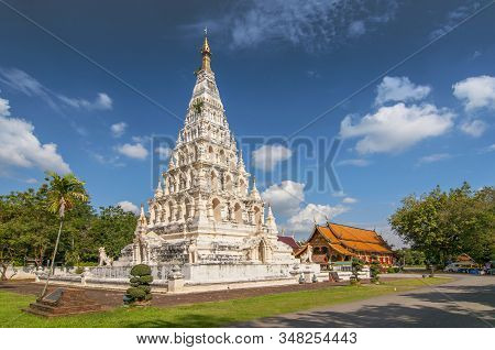 Pagoda Or Chedi, Wat Chedi Liam Restored Wiang Kum Kam Settlement, Chiang Mai, Northern Thailand.