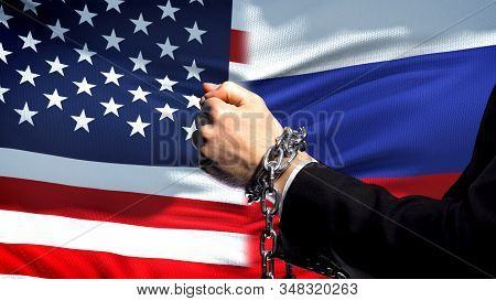 United States Sanctions Russia, Chained Arms, Political Or Economic Conflict