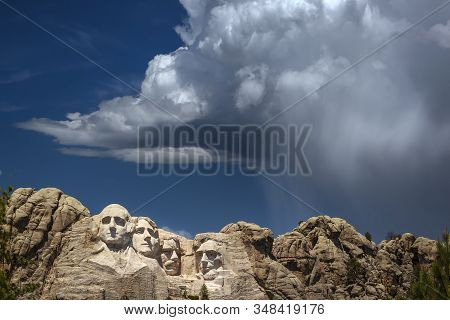 Mount Rushmore National Memorial, Four Ex Presidents Faces Sculptured Into Granite With Dramatic Sto