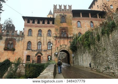 Castell' Arquato, Italy - Dec 2, 2011: Medieval Historic Center On Dec 2, 2011 In Castell' Arquato,