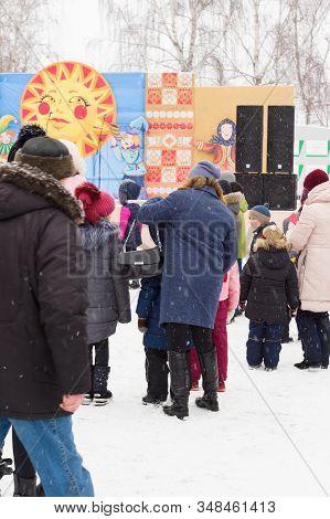 Holiday Pancake Week In Modern Belarus