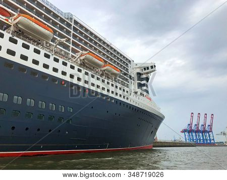 Hamburg,germany - August 17,2018: Luxury  Transatlantic Ocean Liner At The Dock In Hamburg. Queen Ma