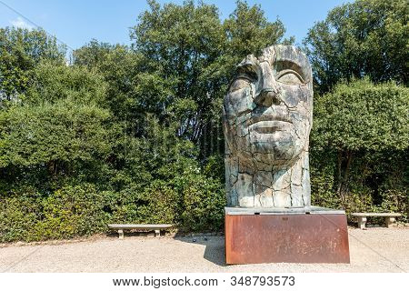 Florence, Italy - 26, March, 2016: Horizontal Picture Of Human Face Sculpture Located In The Boboli