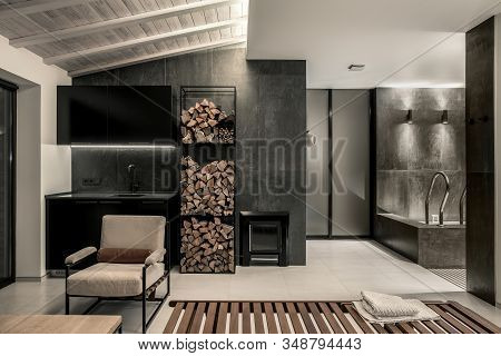 Trendy Modern Spa Interior With Different Walls
