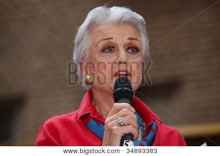 Angela Landsbury Addresses Everyone